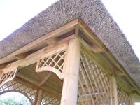 Кровля из соломы: популярность, актуальность и свойства соломенной крыши